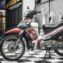 Tem xe Yamaha Sirius – 206 – Tem xe thiết kế E đỏ đen