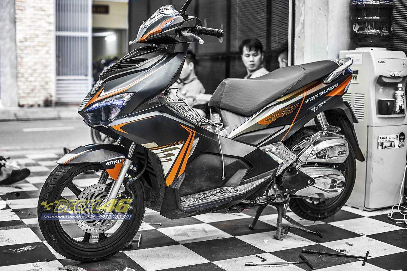 Tem xe Honda Airblade 2016 - 040 - Tem xe thiết kế cam đen đơn giản