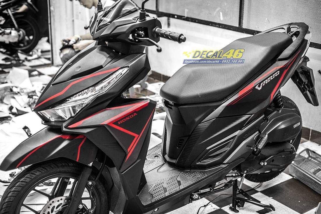 Tem xe Honda Click - 030 - Tem xe thiết kế Đen sọc đỏ nhôm