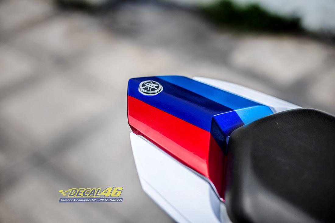 Tem xe FZ150i - 080 - Tem xe thiết kế BMW candy trắng xanh