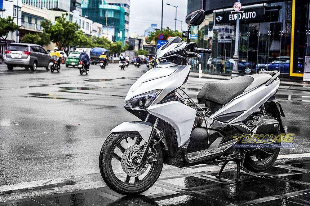 Tem xe Honda Airblade 2016 - 062 - Tem xe thiết kế Bạc xước nhôm