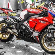Tem xe CBR1000 Ducati V4 3