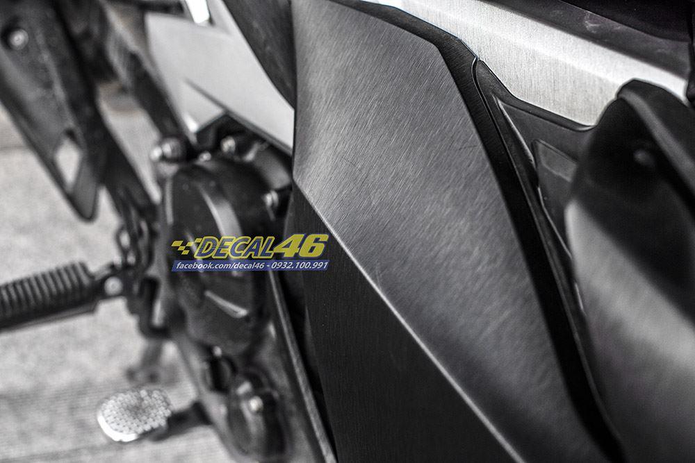Tem xe Exciter 150 - 498 - Tem xe thiết kế Đen bạc xước