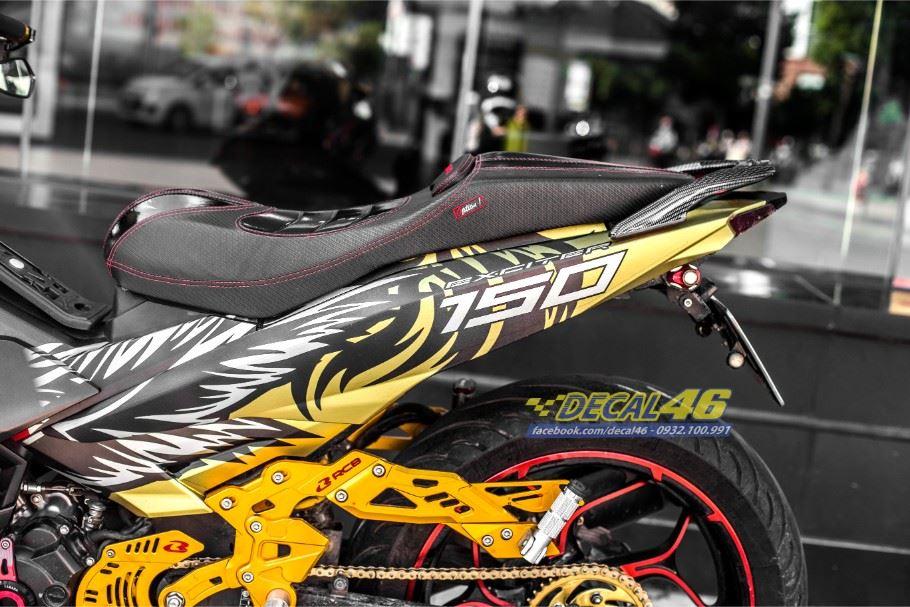 Tem xe Exciter 150 – Tem xe thiết kế nhôm xước đen vàng Tiger