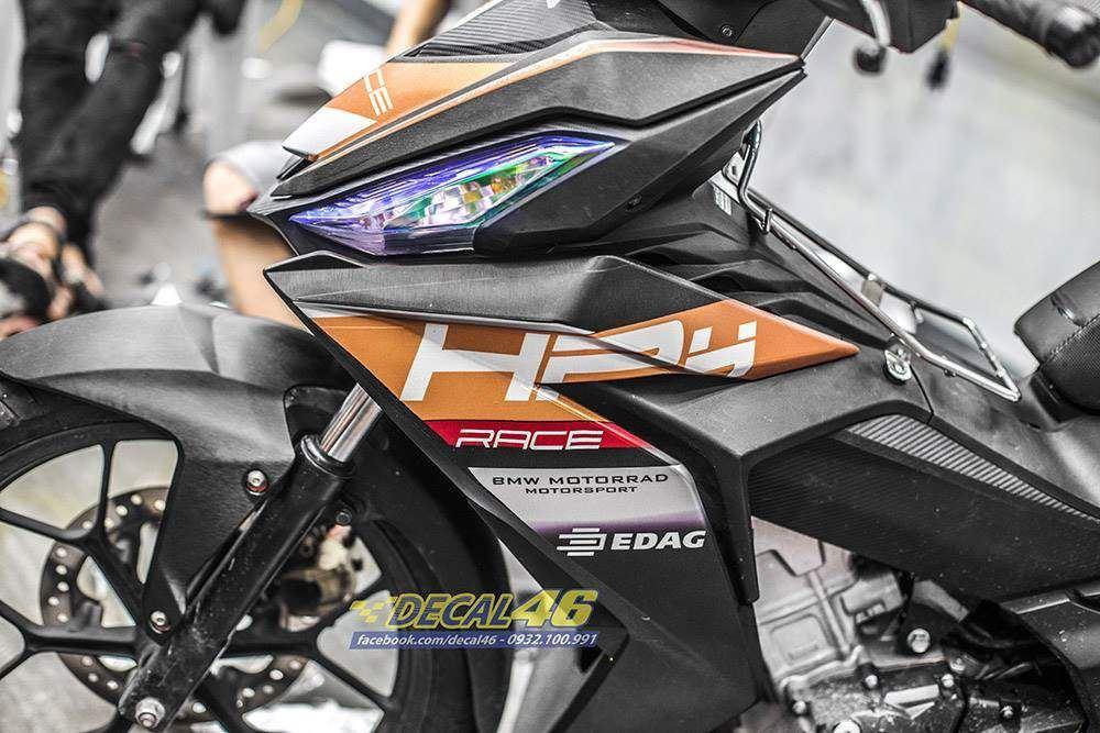 Tem xe Winner 150 - 379 - Tem xe Winner thiết kế HP4 nhôm xước cam đen