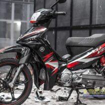 Tem xe Yamaha Sirius - 251 - Tem xe thiết kế FI đen đỏ Slider
