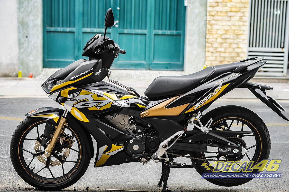 Tem xe Winner X zin GTR đen vàng đồng (1)